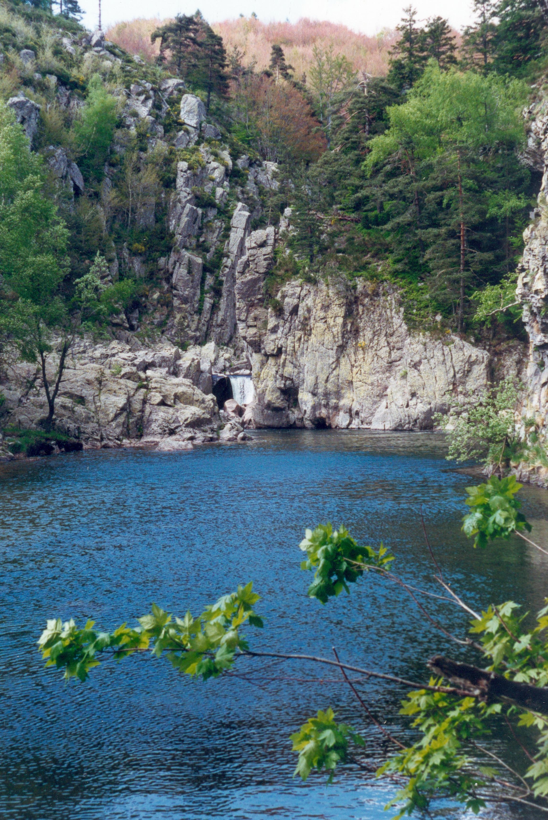 Pour l' ouverture , rendez-vous au bord du plan d'eau fédéral de la Palisse.